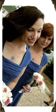 brides-maids-with-sea-glass.jpg